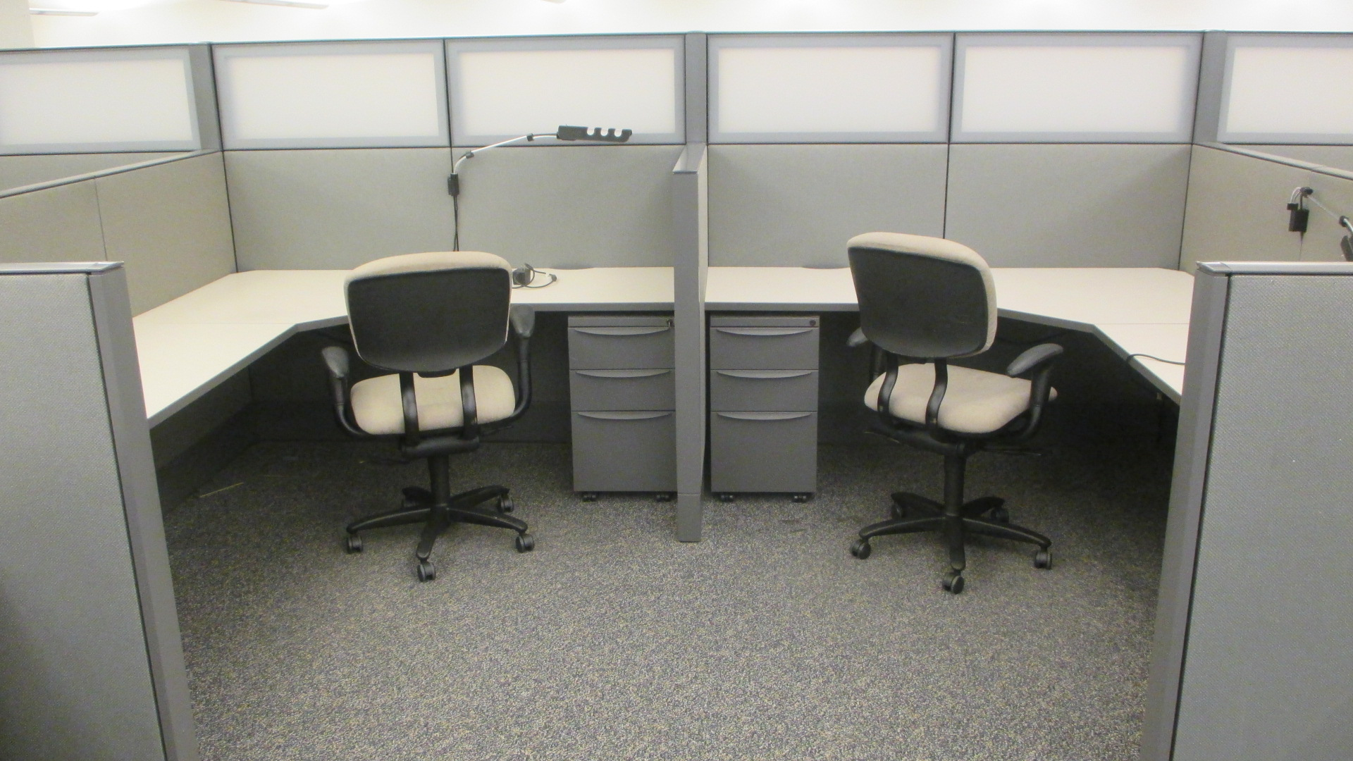 6x6 Haworth Premise Used Cubicles With Frosted Glass Spine