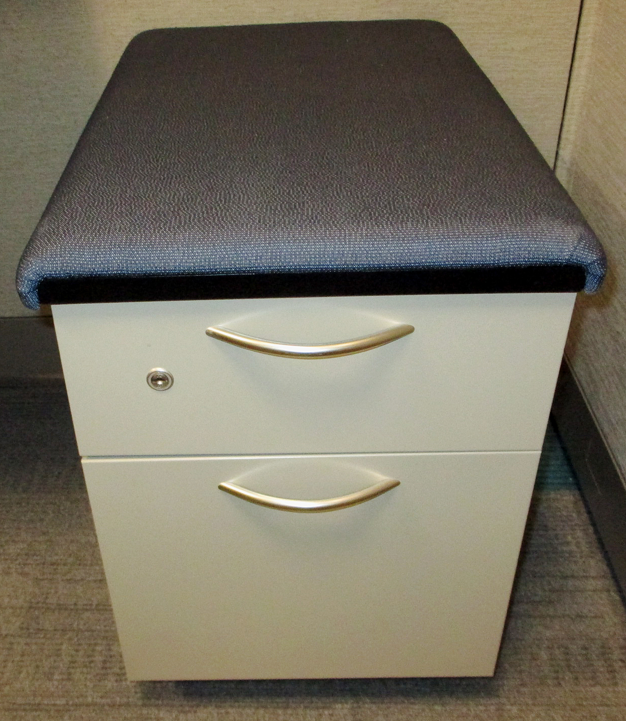 Used Office Furniture : Box/File Mobile Pedestal By Steelcase