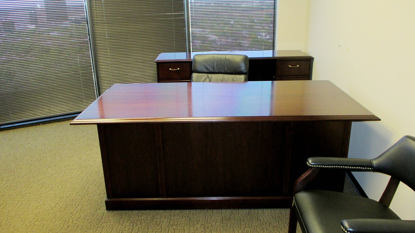 7 39 Desk With Credenza Mahogany By First Office